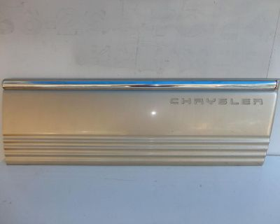 96-00 Town Country Front Right Passenger Door Lower Trim Cladding Cover W/chrome
