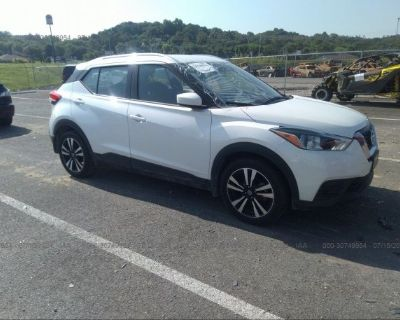 Salvage White 2020 Nissan Kicks