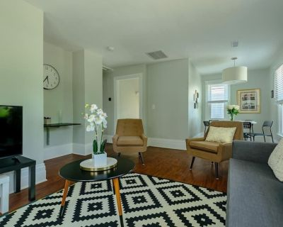 This apartment is a 2 bedroom(s), 1 bathrooms, located in Detroit, MI. - Detroit