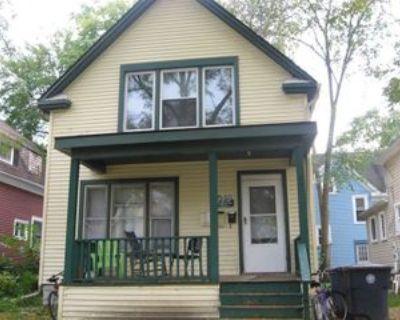 504 Benjamin St, Ann Arbor, MI 48104 6 Bedroom House
