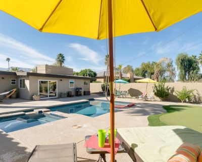 Centrally Located Retreat With Saltwater Pool, Spa, Firepit & Pool Table - Indian Wells