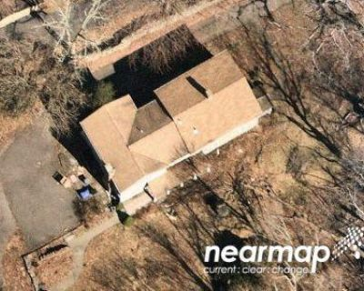 5 Bed 2.5 Bath Preforeclosure Property in Trumbull, CT 06611 - Nichols Ave