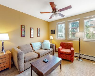 Mountain View Studio With Shared Hot Tub, Gas Fireplace, and High-speed Wifi - Winter Park