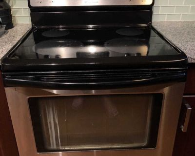 Frigidaire Oven/Stove electric $50