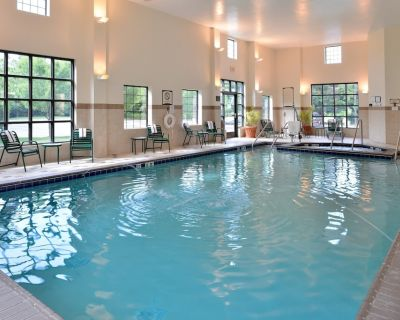 Free Breakfast. Indoor Pool & Hot Tub. Great for Business Travelers! - Chesapeake