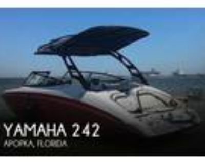 24 foot Yamaha 242 Limited S