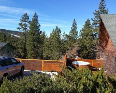 Cozy Dog Friendly Cabin, Sunset/ Star Views from Hot Tub. Air Conditioning! - Moonridge