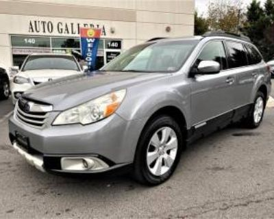 2011 Subaru Outback 2.5i Limited with Power Moonroof Auto