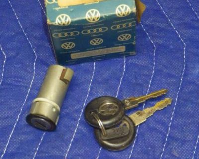 NOS 89-93 Fox Gas Cap Lock and Keys 305898594A