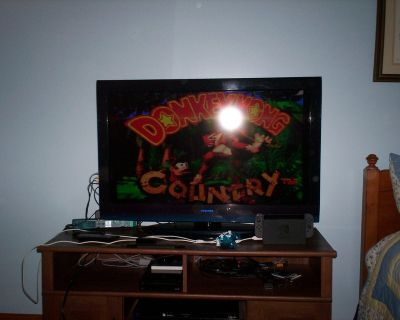 super nintendo - 2 controllers & hookups & donkey kong country 1 - 2 & 3 - TV is not included