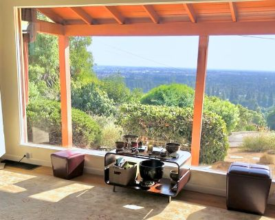Gorgeous views, spacious house on large property - Whittier