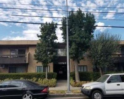 13747 Vanowen St, Los Angeles, CA 91405 2 Bedroom Apartment