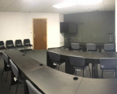 600 sqft Downtown Lowell Meeting, Classes, Workshops 12+ Guests, Lowell, MA