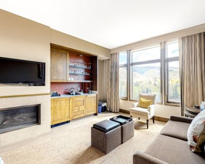 Dog-Friendly 4th-Floor Hotel Room w/Free WiFi, Fireplace, Shared Hot Tubs, Pool - Avon