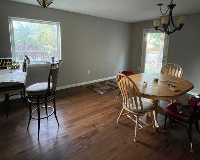 Private room with shared bathroom - Broomfield , CO 80020