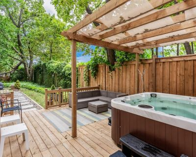 Heritage House with Hot tub and private yard - Niagara Falls