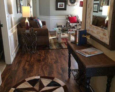 Clean, Light, Centrally Located, Quiet Neighborhood - Amarillo