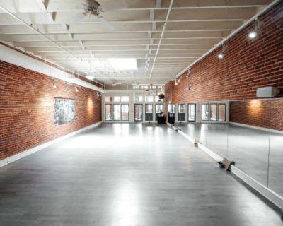 Downtown Denver Studio w/ Exposed Brick & Large Mirrors - Studio A, Denver, CO