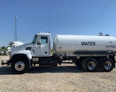 2006 MACK GRANITE CV713 Water Trucks Heavy Duty