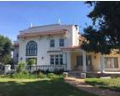 Historic Sundial Mansion