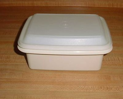 Gently Used Vintage Tupperware Freeze-N-Save Ice Cream Keeper. Designed To Hold A Gallon Of Ice Cream. $5