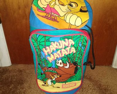 Lion King kid's sleeping bag with carry book bag, excellent used condition