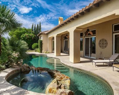 Entertainers Dream! 4 Bedrooms Plus Office, Private Pool and Fairway Views - La Quinta