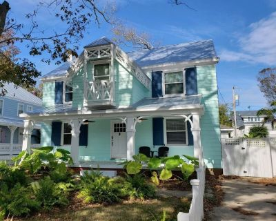 Fleming - Newly Remodeled 4 bedroom 2.5 bath Vacation Home Steps to the Beach - Northeast Virginia Beach