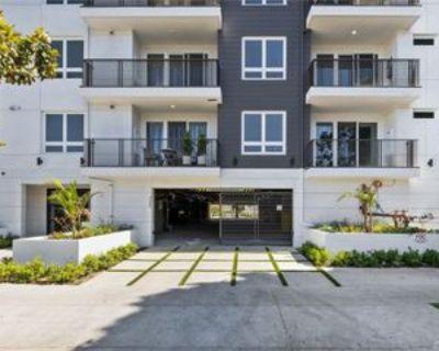 5820 La Mirada Ave, Los Angeles, CA 90038 2 Bedroom Apartment