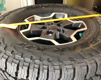 Missouri - Rubicon take Offs - OEM set of 4 wheels and tires w/TPMS $950
