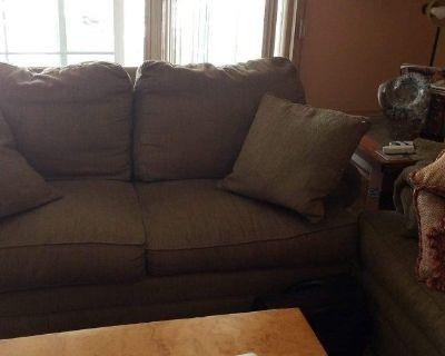 7' sofa w/5' matching loveseat