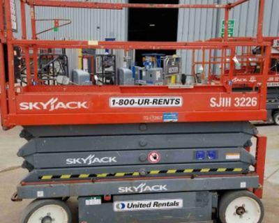 2014 SkyJack 26' Scissor Lift -- United Rentals