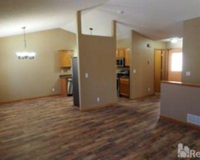40 Arbor Ln, Farmington, MN 55024 3 Bedroom Apartment
