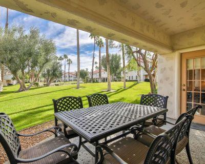Relax! Hike & Bike! Golf, Swim, & Tennis on site! Patio w/BBQ & SE Exposure! Office Desk for work! - Palm Desert