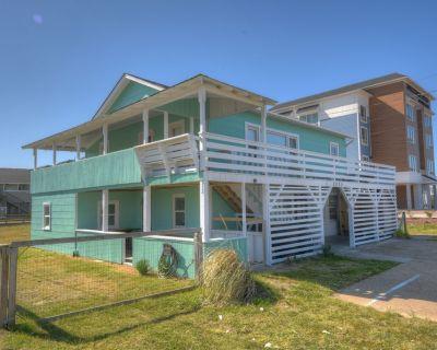 Modernized 1960's Semi-Oceanfront Duplex - Dog Friendly with Large Fenced Yard! - Kill Devil Hills