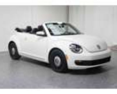 2013 Volkswagen Beetle Convertible 2.5L with Tech Package