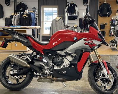 2021 BMW S 1000 XR Racing Red