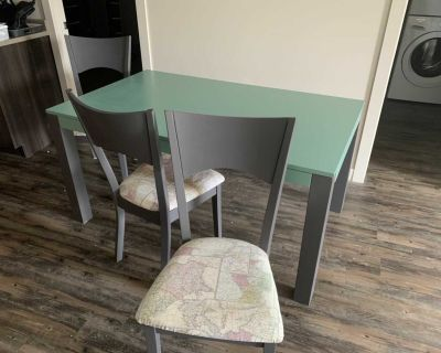 Kitchen table/ Craft room table