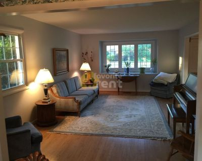 Ann Arbor 4 bedrooms 2.5 bathrooms home
