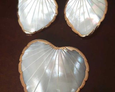 Vintage Mother of pearl heart shaped brooch and earrings