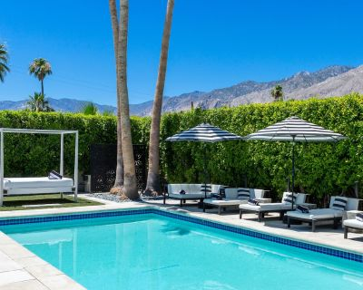 Casa Luna Nuova - Spectacular Walled & Gated Estate Home in The Movie Colony - Palm Springs