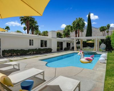 Ultra-Chic, Mid-century- Resort Style Pool, Spa & Fire Pit 2BD/2BTH in Movie Colony - Palm Springs