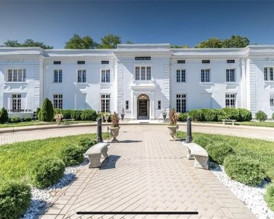 1917 Mansion with Pool, Tennis Court, Movie Theater And more - Kettering