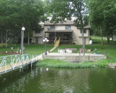 Lake Front Home - Flat Lot - Large Quiet Cove - Your Own Boat Slip - Roach