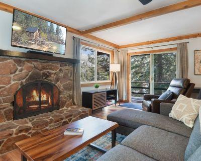 Tahoe Retreat! Fully Updated Chalet w/ Ski Mountain Views & 1GB WiFi - Tyrolian Village