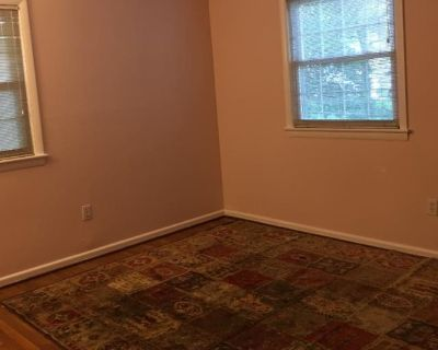 Private room with shared bathroom - Annandale , VA 22003
