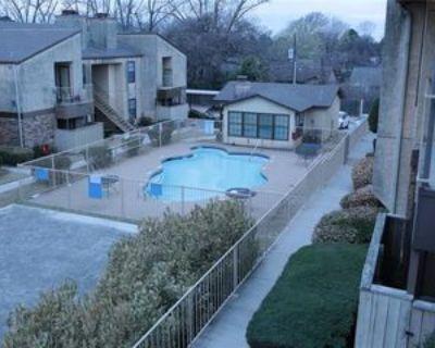 1730 Crest Point Dr, Arlington, TX 76012 1 Bedroom Condo