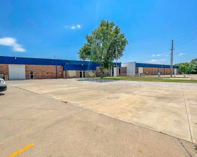 31,500 sq. ft. in 2 Connected Aerospace Warehouses