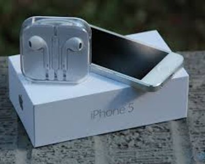Apple iPhone 5S 64GB and Samsung Galaxy S5 32GB