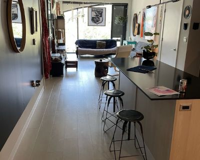 2 Bed Loft / Private Art Gallery in Midtown - Hanover Place